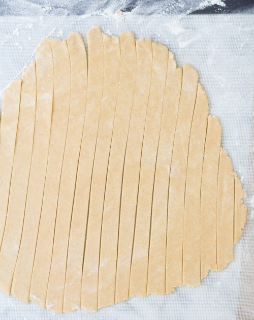 خمیر نواری برای روی پای سیب